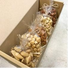 Коробка горіхів 500г